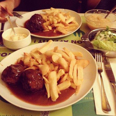 Cafe Lequet: Les fameux Boulets Sauce lapin, Un délice ! ! !