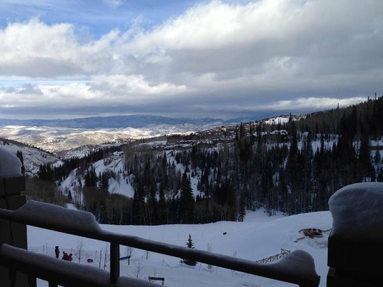 Montage Deer Valley: Guest Room View