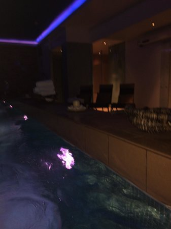 Pestana Chelsea Bridge: Pool