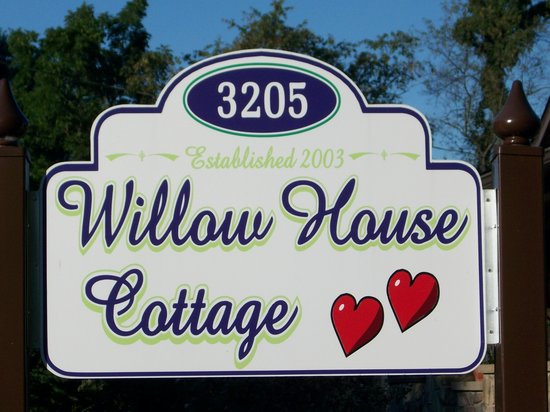 Willow House Cottage Suite: .