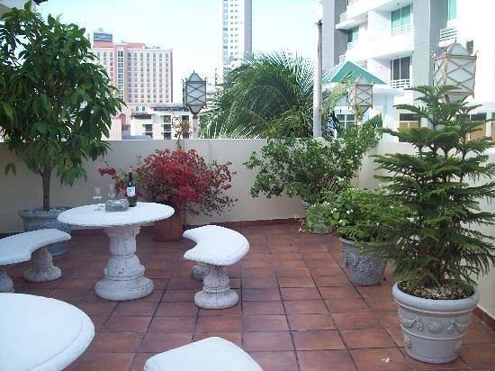 Toscana Inn Hotel: Rooftop Terrace