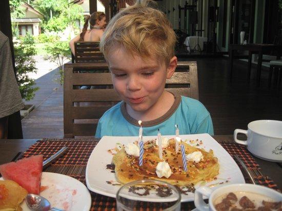 Aonang Phu Petra Resort, Krabi: l'anniversaire de notre fils