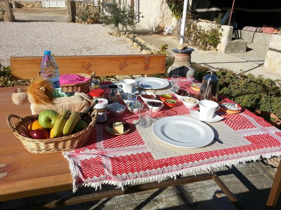 Petra Bed and Breakfast: breakfast