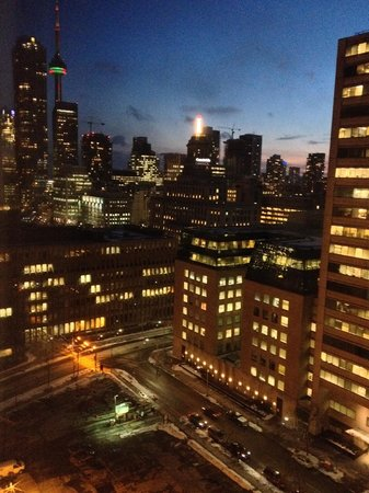 DoubleTree by Hilton Hotel Toronto Downtown : room with a view