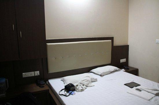 Hotel S.B. Inn : Habitación