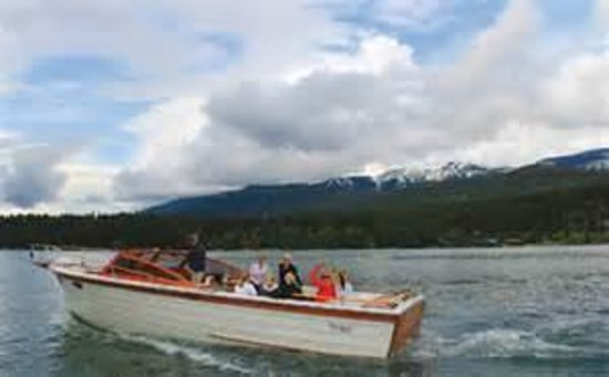 Meadow Lake View Bed and Breakfast: Boating - Surrounding Lakes in Flathead County