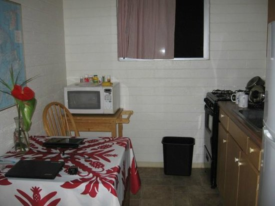 Dolphin Bay: A portion of the kitchen