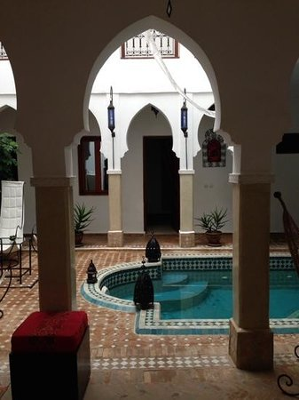 Riad Les Jardins Mandaline: the beautiful pool area