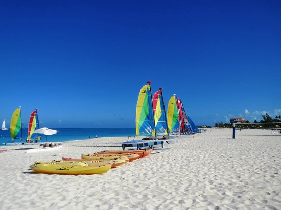 Club Med Turkoise, Turks & Caicos : Hobie-cats on the gorgeous beach