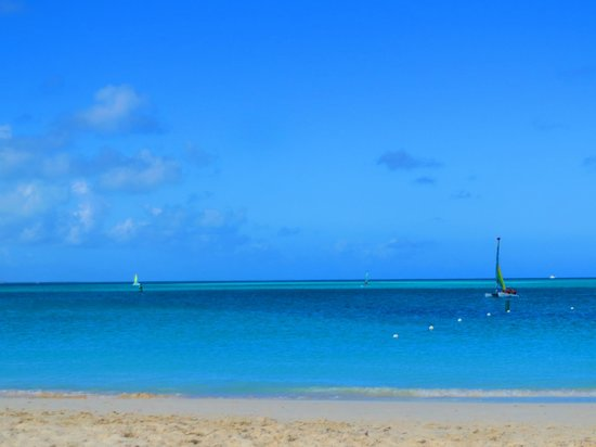 Club Med Turkoise, Turks & Caicos : Gorgeous sand and clear blue water
