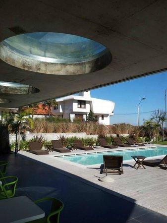 Costa Colonia Riverside Boutique Hotel: Piscina descubierta