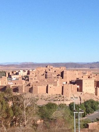 IBIS MOUSSAFIR OUARZAZATE : view of Kasbah Taourirt from our bedroom window