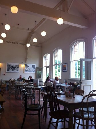 Hassop Station Cafe & Monsal Trail Cycle Hire: Inside the station mid week