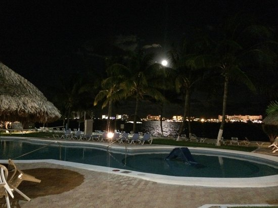 Coral Mar : from our patio - the still evening by moon light