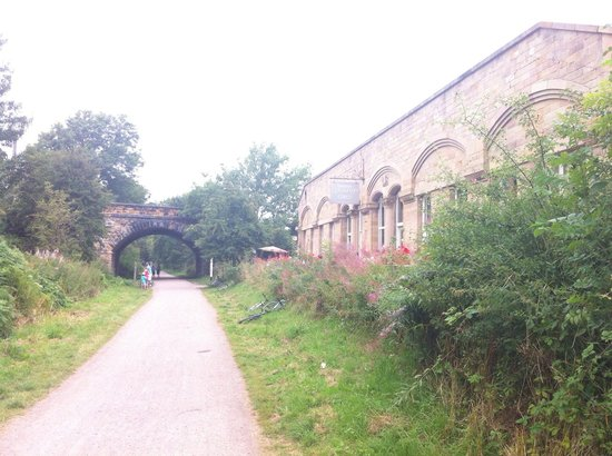 Hassop Station Cafe & Monsal Trail Cycle Hire: Summer view midweek