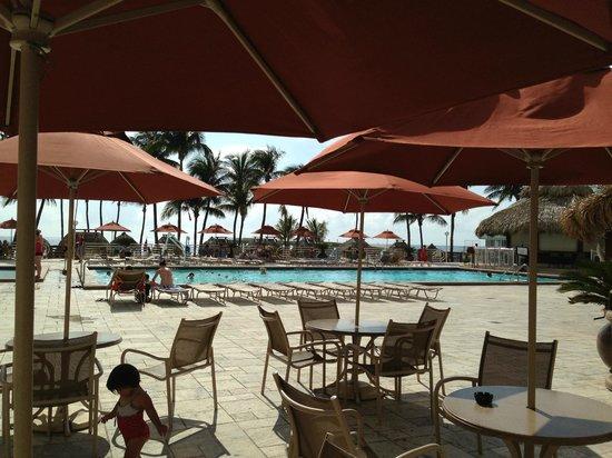 Newport Beachside Hotel and Resort : Piscina do Hotel