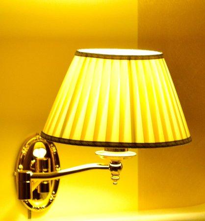Vittorio Emanuele Bed & Breakfast : Lampada della camera