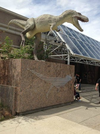 Royal Tyrrell Museum: The Entrance