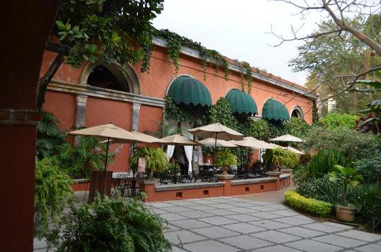 Hotel Hacienda de Cortes : Patio dining