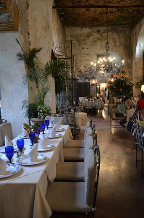 Hotel Hacienda de Cortes : dining room of extraordinary beauty and romantic atmosphere