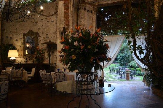 Hotel Hacienda de Cortes : gorgeous flowers everywhere