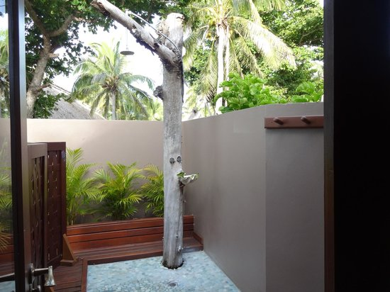 Yasawa Island Resort and Spa: Our outdoor shower