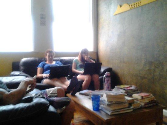 Rio Deal Bed & Breakfast: sala de estar con sillones muy cómodos