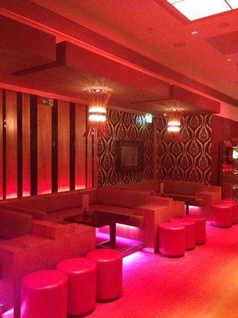 Hilton Prague: the Cloud 9 cocktail bar