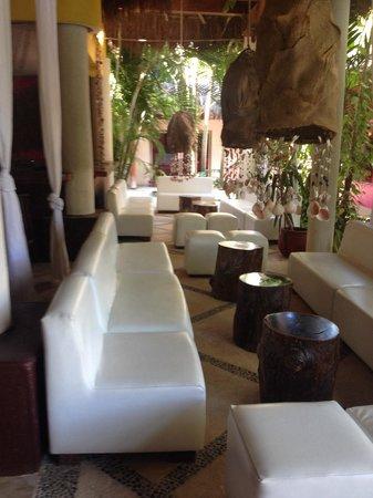 Villas HM Paraiso del Mar: Zona bar lobby
