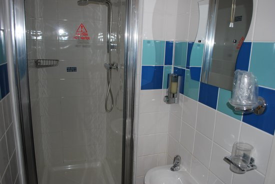 The Wheeldale: Tardis effect shower ,lovely long tray
