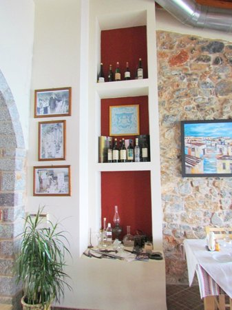 Ergospasio Restaurant: Картинная галерея в самом ресторане