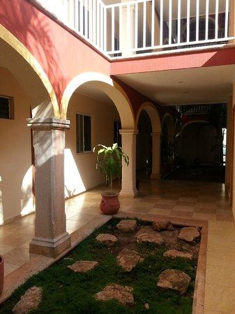 Las Americas: Hotel & Grounds