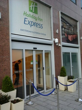 Holiday Inn Express Amsterdam-Sloterdijk Station: Nice place to stay the night.