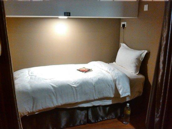 Apollo Inn: comfy bed