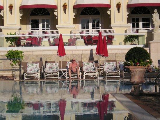 Acqualina Resort & Spa on the Beach: Piscina de pelicula !!!