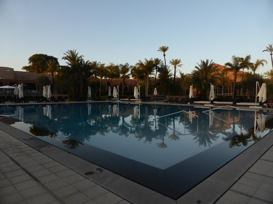 Pullman Marrakech Palmeraie Resort and Spa: la piscine...quel calme..