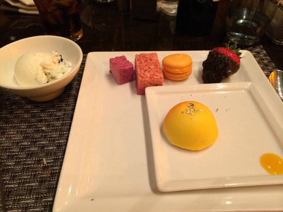 Wicked Spoon: Dessert Selection