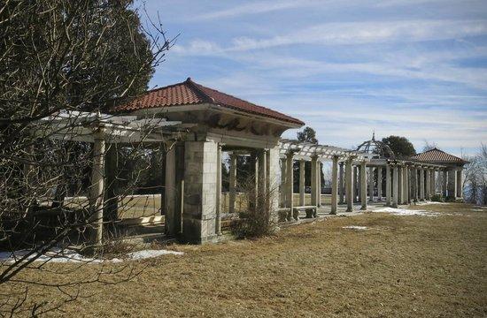 Swannanoa Palace: the garden