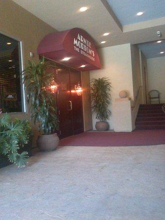 Morton's The Steakhouse : nuevo trabajo