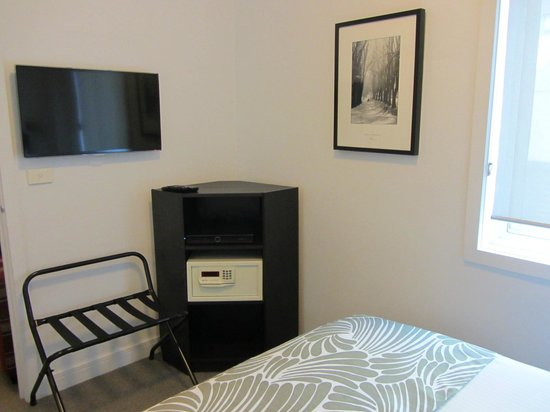 Alto Hotel on Bourke: New TV, Foxtel and room safe