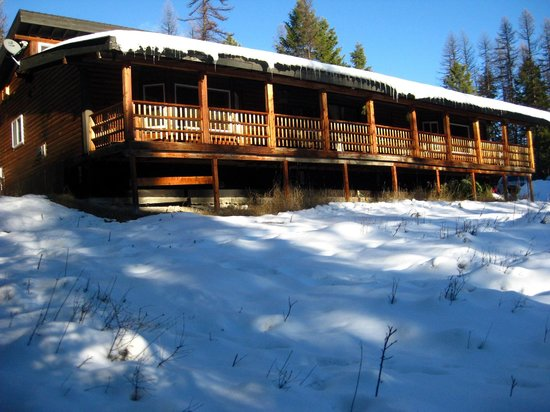 Stillwater Mountain Lodge : front view of Lodge