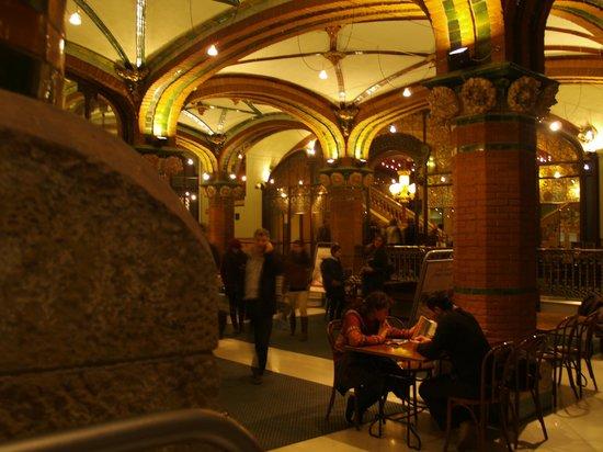 Palais de la Musique Catalane (Palau de la Musica Catalana) : Sala interna con bar