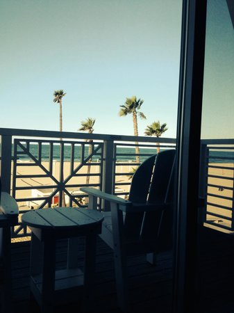 Beach House Hotel Hermosa Beach : Oceanfront view room.
