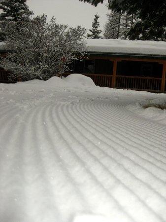 Stillwater Mountain Lodge: heading toward the warming hut