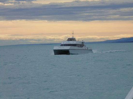 Estancia Cristina: Catamarã da Estancia