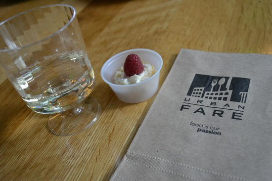 Vancouver Foodie Tours: URBAN FARE