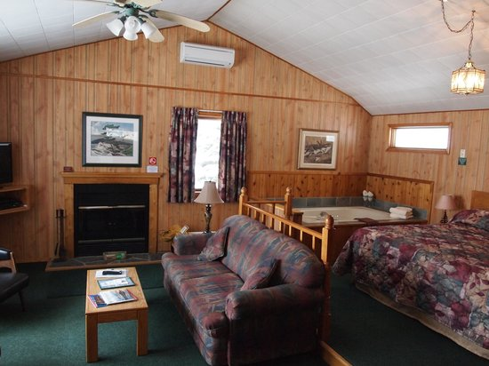 Blue Spruce Resort: AJ's cabin is the perfect combination of privacy and comfort.