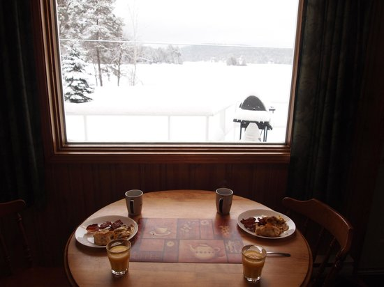 Blue Spruce Resort : View over breakfast
