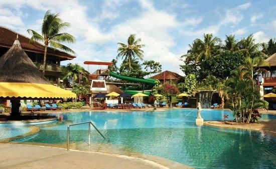 Bali Dynasty Resort : Bali Dynasty Pool