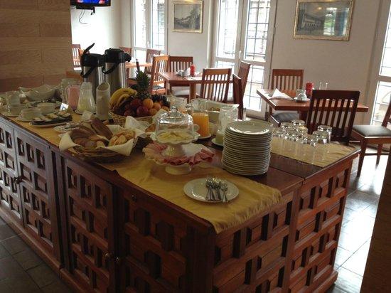 Plaza de Armas Cusco Hotel: el buffet del desayuno